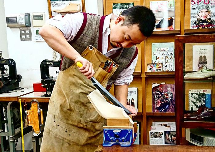 靴の学校 神戸の三宮で学べる靴作り・インソールの学校ハード